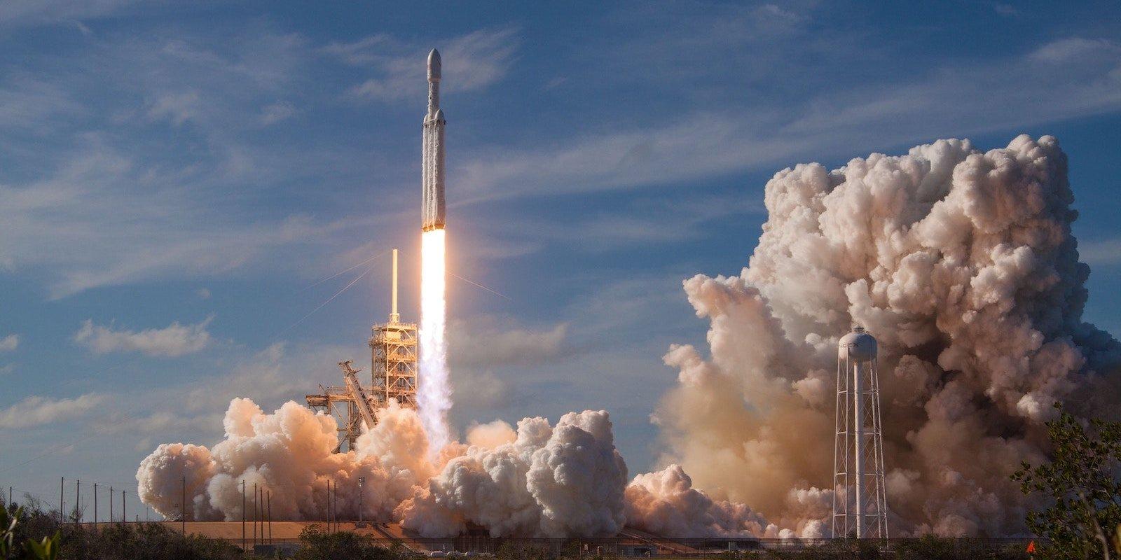 spacex-549326-unsplas